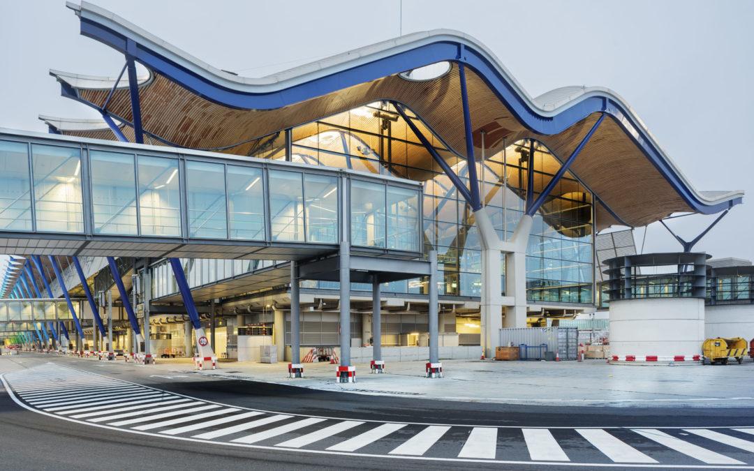 Paneles solares en Aeropuertos Españoles ahorrarán el 70% de la factura eléctrica