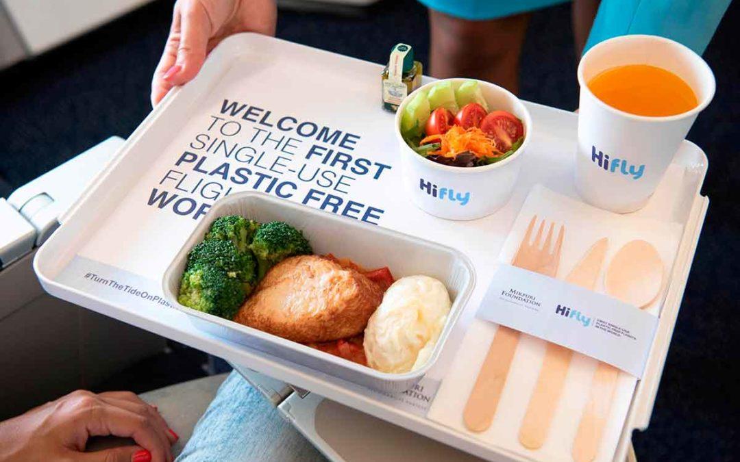 Hi Fly, primera aerolínea que elimina artículos de plástico de un solo uso en sus vuelos